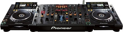 BRAND NEW SET OF 2x Pioneer CDJ-2000 Nexus & 1x PIONEER DJM-900 Nexus at 3000 EUR
