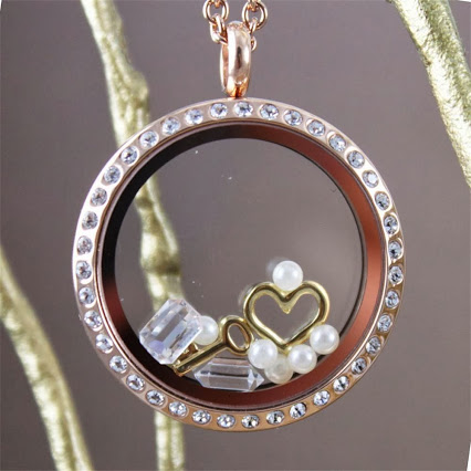 Gorgeous Locket you choose your design! An end of winter treat!