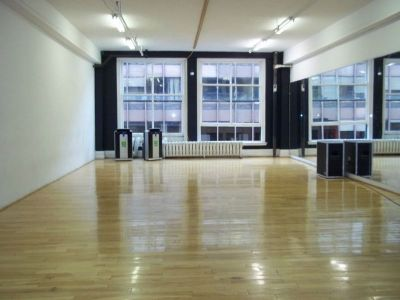 STUDIO DE DANSE A LOUER PAR HEURE / DANCE STUDIO FOR RENT BY HOUR