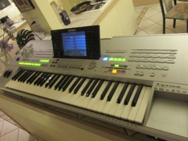 F/S New: Yamaha Tyros 5 keyboad, Korg Pa3X Keyboard ...