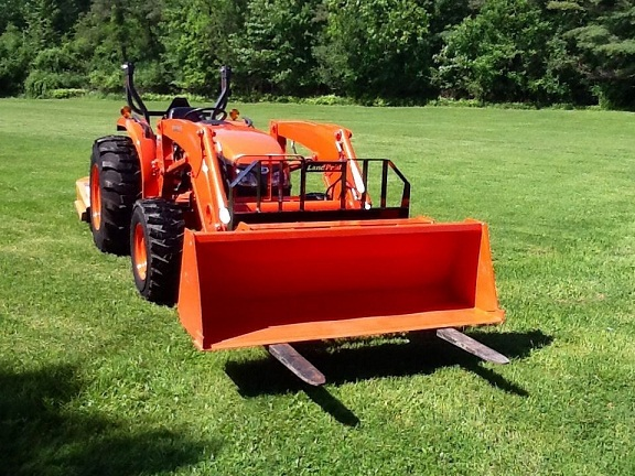 Bobcat Of Brantford >> 2012 Kubota MX5100 4WD Loader
