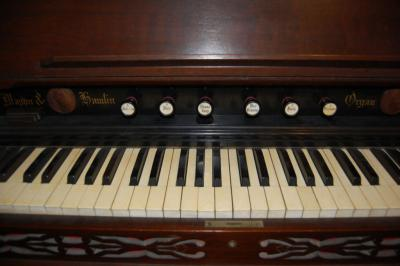 Mason & Hamlin Reed/Pump Organ with Piano/Chime Stop