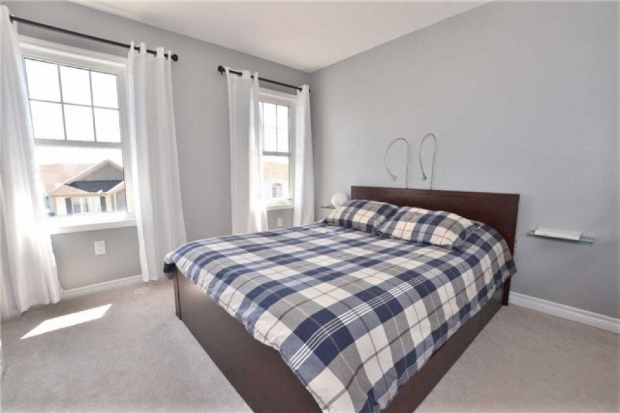 3 Bedroom Village Town House For Sale in Clarke, Milton