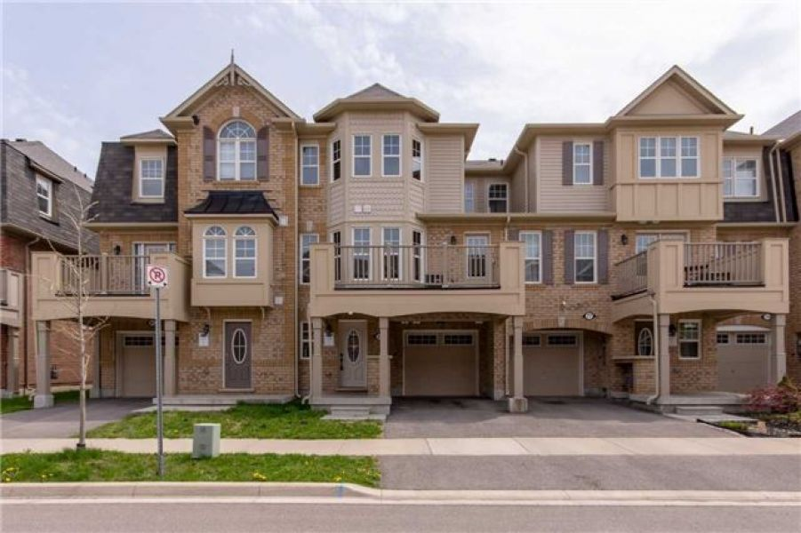 2 Bedroom Freehold Energy Star Townhouse Home for Sale in Willmott, Milton