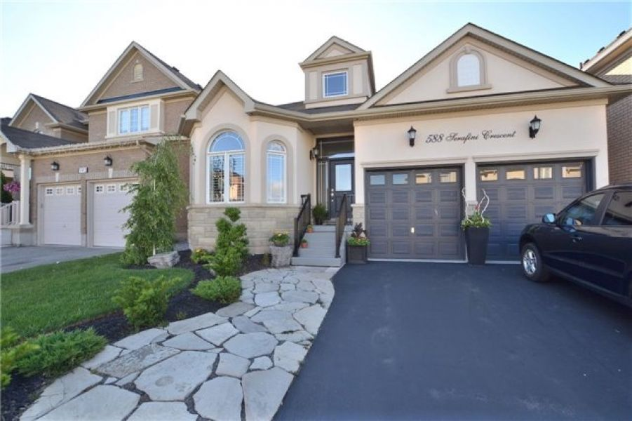3+1 Detach Bungaloft Home for Sale in Willmont, Milton