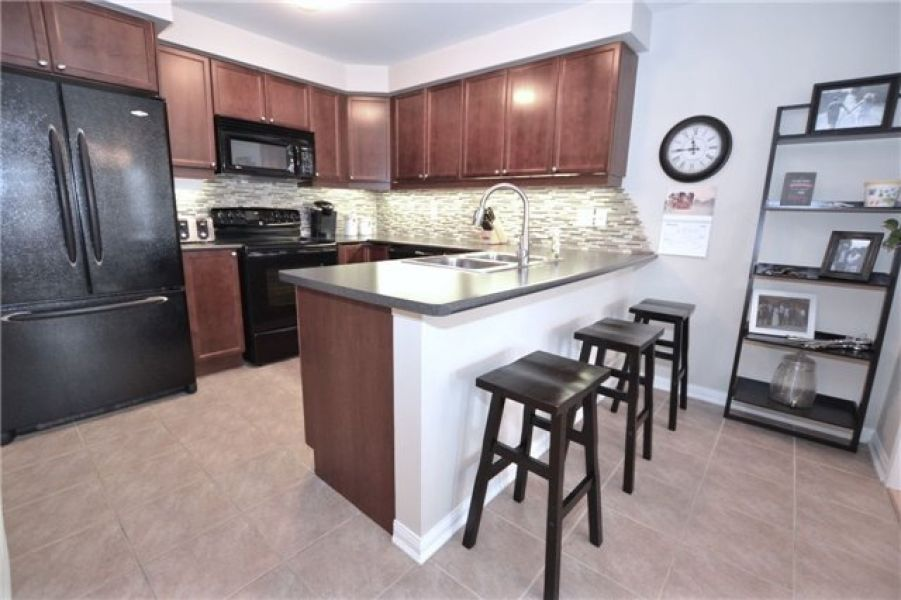 2 Bedroom Town Home for Sale in Coates, Milton