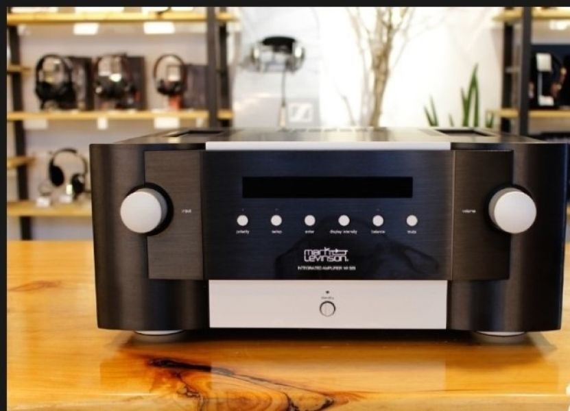 Mark Levinson No. 585 Integrated Amplifier --