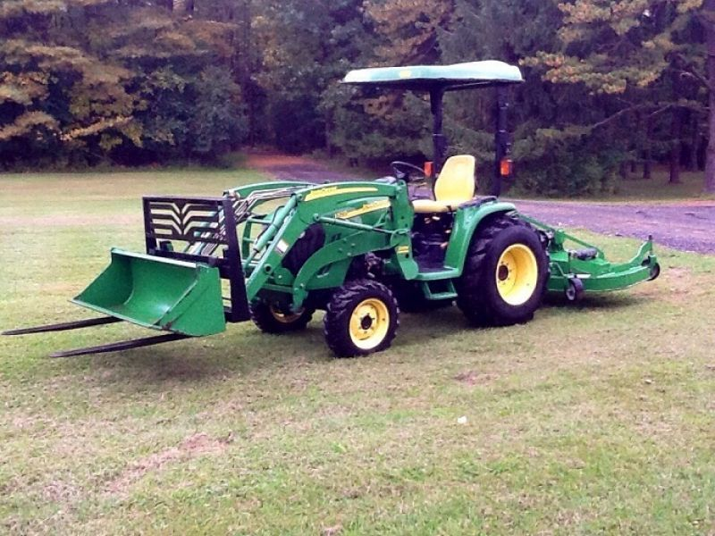 2006 John Deere 3320 4WD Tractor Loader Attachments