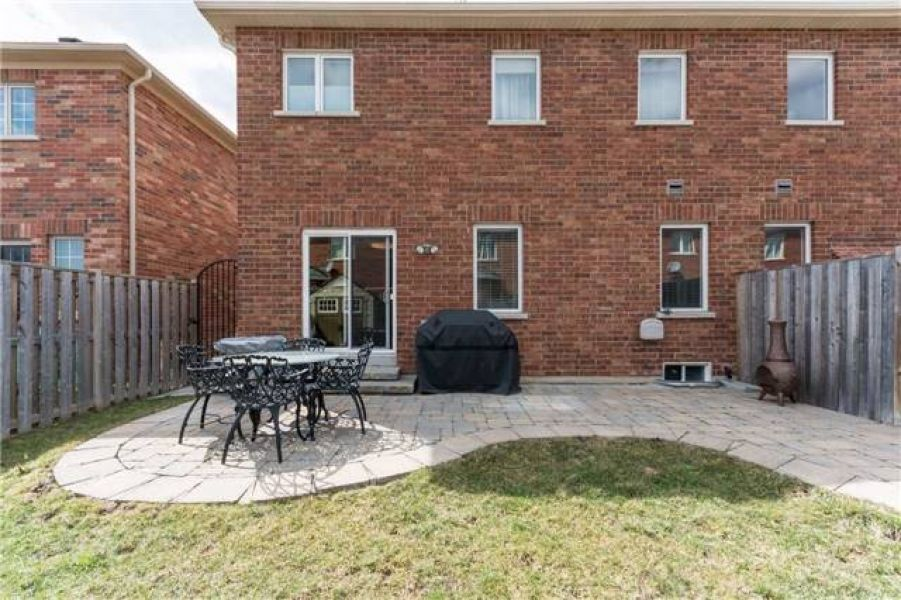 3 Bedroom Freehold Semi-Detached Greenpark Home for Sale in Scott, Milton