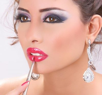 Find out how to start your dream career as a makeup artist