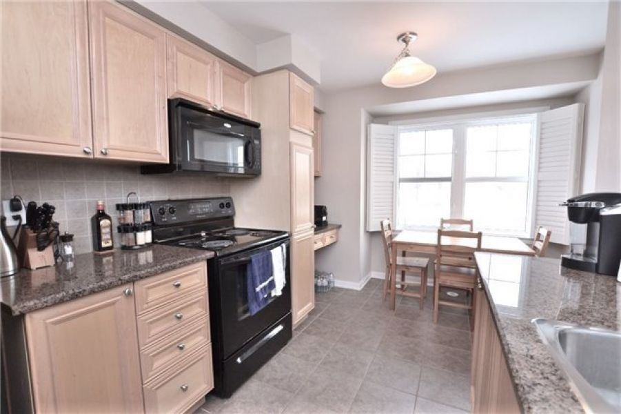 3 Bed Moonseed End Freehold Town Home for Lease in Milton
