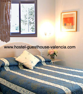Valencia Hostel guesthouse hostel private rooms- hostel-guesthouse 12.50€