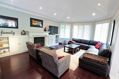 LORNE PARK DREAM HOME!