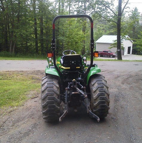 2007 John Deere 3320 4x4 300cx loader