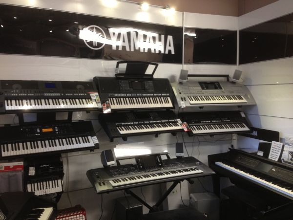 for sale yamaha tyros 5 workstation keyboard. Black Bedroom Furniture Sets. Home Design Ideas