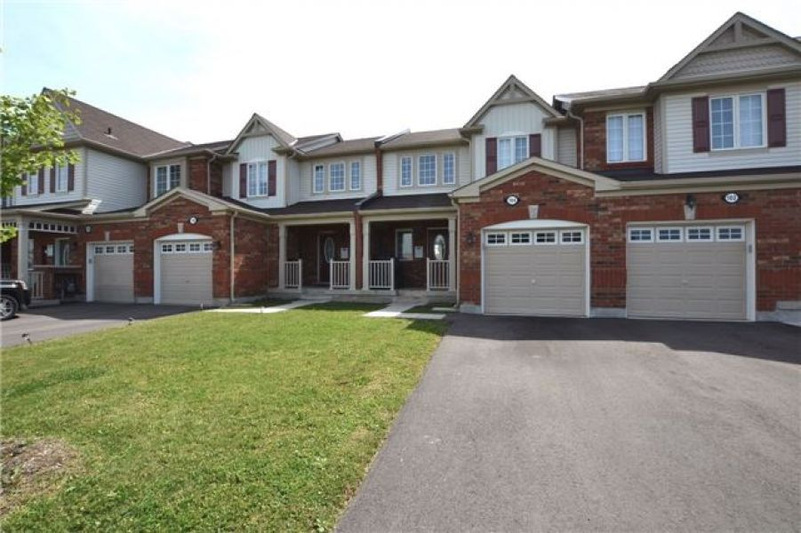 3 Bedroom Town house For Sale in Harrison, Milton