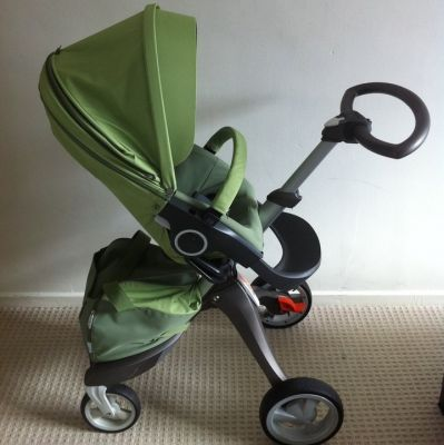 Brand new stokke Xplory complete baby stroller ….$400.00USD
